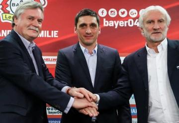 Tayfun Korkut, nuevo técnico de Chicharito en el Leverkusen