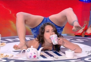 Esta increíble mujer bate su propio récord Guinness de contorsionismo