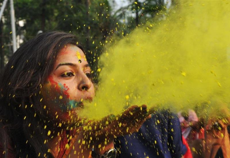 La primavera inicia con el festival Holi en la India