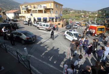 Un detenido por el tiroteo que ha dejado ocho heridos en un colegio en Francia