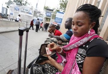 Refugiados de Haití se quedan en México al no poder ingresar a E.U.