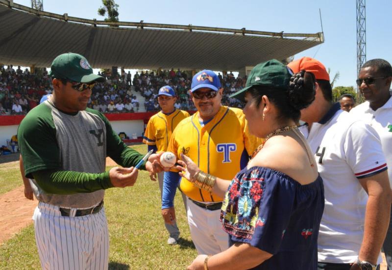 Olmecas de Tabasco juegan amistoso en Centla, contra Leones de Yucatán