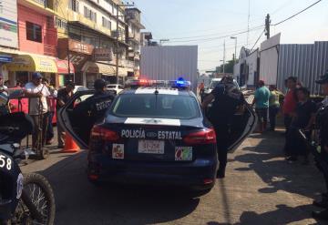 Hombre drogado amenaza de muerte a trabajares del Pino Suárez