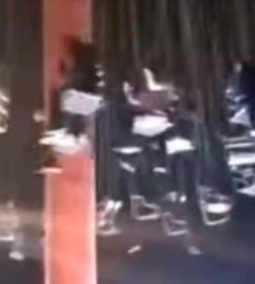 Sillas Voladoras se desploman en feria de China