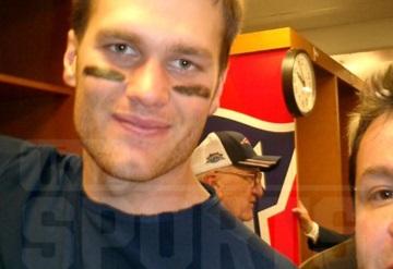 Revelan selfie de Ortega con Brady tras SB XXXIX