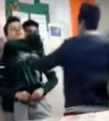 Alumnos de secundaria golpean a compañero en Ecatepec