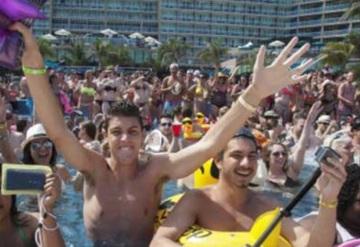 ¡Construyan el muro! gritan Springbreakers en Cancún