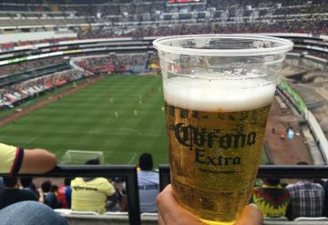 Diputada plantea prohibir venta de cerveza en estadios de la CDMX