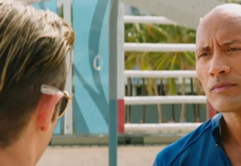 Zac Efron y The Rock presentan el segundo tráiler de Baywatch