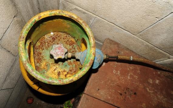 Gaseras de Tabasco continúan repartiendo cilindros en mal estado