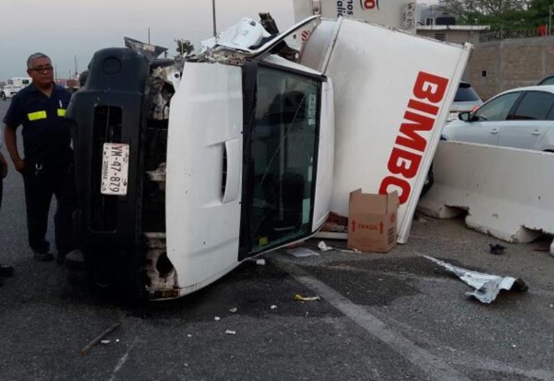 Camioneta de Bimbo sufre aparatoso accidente