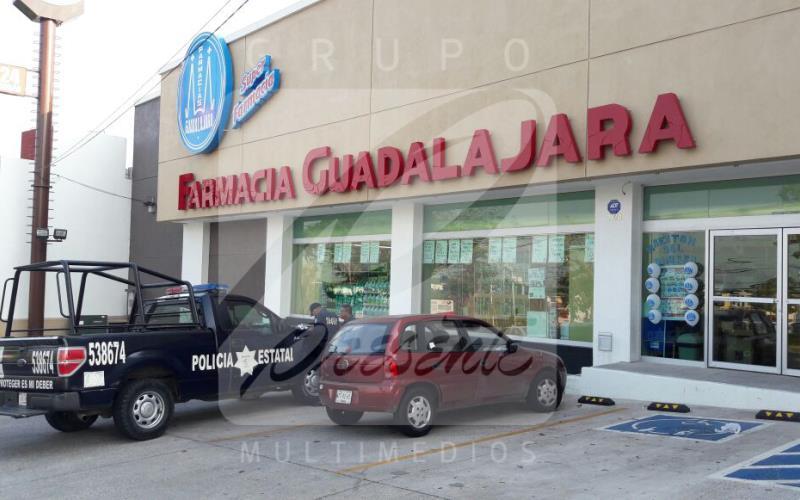 Asaltan y amagan a empleados de farmacia en Villahermosa