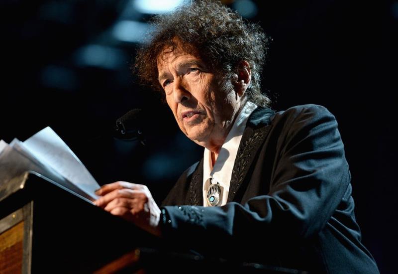 Bob Dylan tiene hasta el 10 de junio si quiere el dinero del Nobel