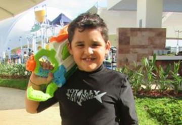 Guillermo del Rivero y otros pequeños nos muestran tendencias en trajes de baño para niños