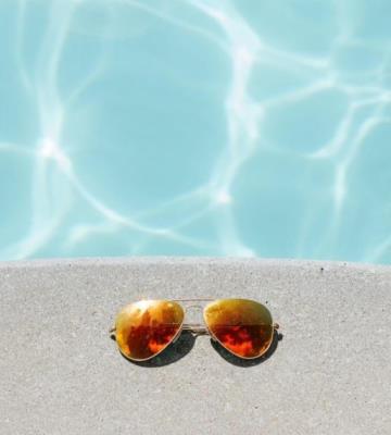 Conoce la piscina suspendida a 12 metros de altura y con suelo transparente en el piso