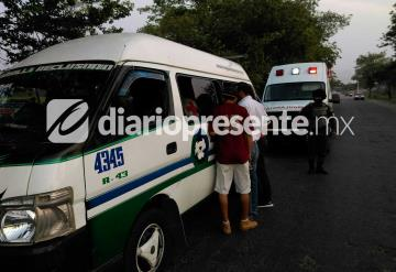 Hombre muere infartado en plena combi de Villahermosa