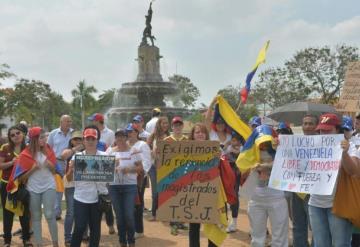 Venezolanos en Villahermosa protestan por mal gobierno de Nicolás Maduro