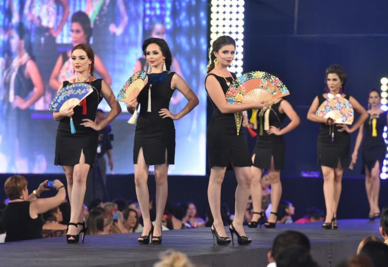 Embajadoras dieron vida al Desfile de Modas
