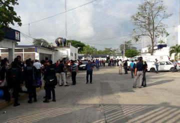 Policías de Tabasco realizan ´paro´ laboral; exigen mejora salarial