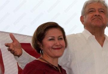 Eva Cadena renuncia tras ser exhibida