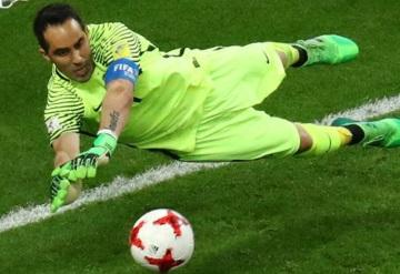 Bravo se agiganta en los penales y lleva a Chile a la final