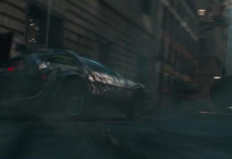El DeLorean vuelve a la carga en este épico trailer