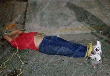 Familiares de dos menores golpeados detienen a ebrio agresor en Villahermosa