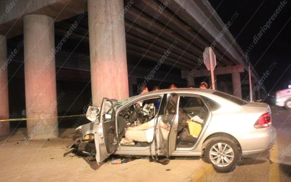 Se estrella contra base de puente y muere | Villahermosa