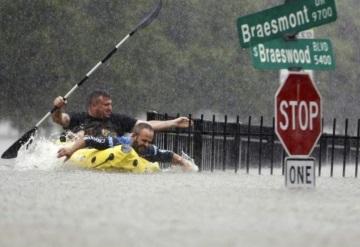 Tras Harvey gobernador de Texas anunció campaña para recaudar fondos