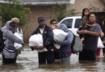 """Aumenta a 60 la cifra de muertos por """"Harvey"""" en Texas"""