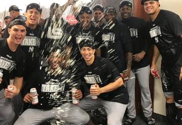 Kike Cessa festeja con los Yankees clasificación a play offs