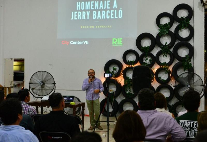 Rinden empresarios homenaje a Jerry Barceló