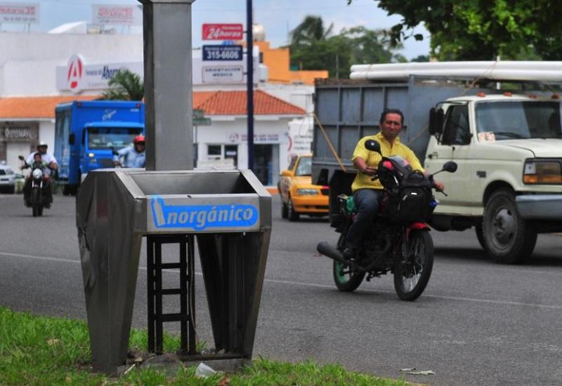 Vandalizan los contenedores  en Villahermosa