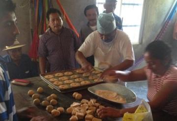 Campesinos de Centla buscan expandir la harina de yuca para repostería