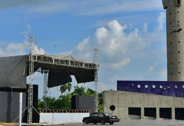 Plaza de armas lista para los shows del XI Festival Cultural CEIBA 2017