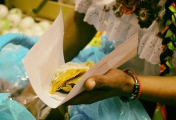 Discriminan a Lady Tacos de Canasta en el Zócalo de CDXM