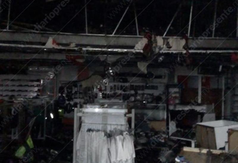 Así quedó la tienda ´Elite Lockers´ después del incendio en Plaza Las Américas