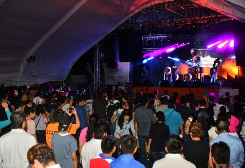 Bostich + Fussible de menos a más | Festival CEIBA