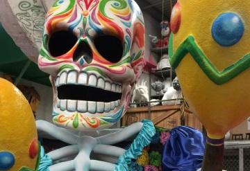 Los colores engalanan el desfile del día de muertos