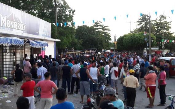 Vigilantes evitan asalto en tienda Monterrey pero vecinos los intentan linchar