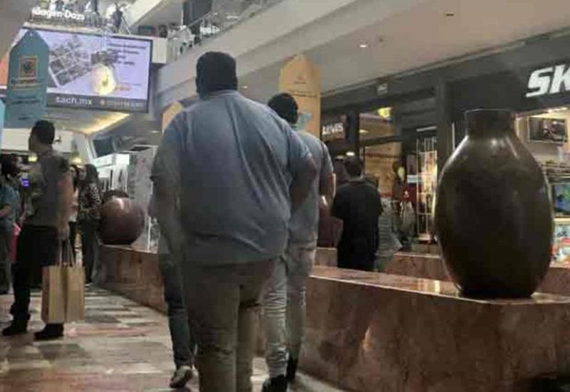Registran balacera en Centro Comercial Santa Fe