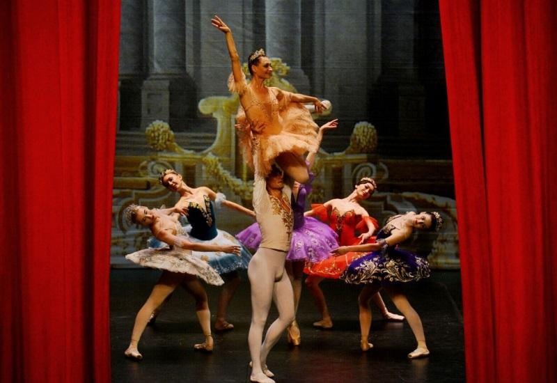 El ballet clásico de San Petersburgo conquista Villahermosa