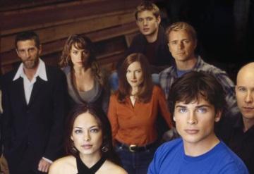 Esta actriz de Smallville es acusada de ser líder de una secta sexual