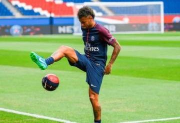Por intrusos Neymar se cambia de casa en Paris