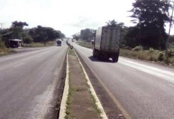 Habitantes solicitan a Capufe poste de luz en  la carretera Villahermosa-Macuspana
