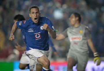 Chaco Giménez se va del Cruz Azul