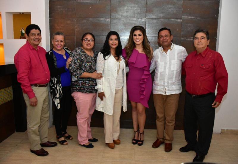 Presentan oficialmente a Ethel Rivera como representante de Jalapa