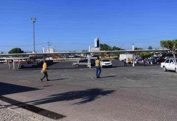 Estacionamientos en plazas no dan seguridad...roban automóviles y asaltan