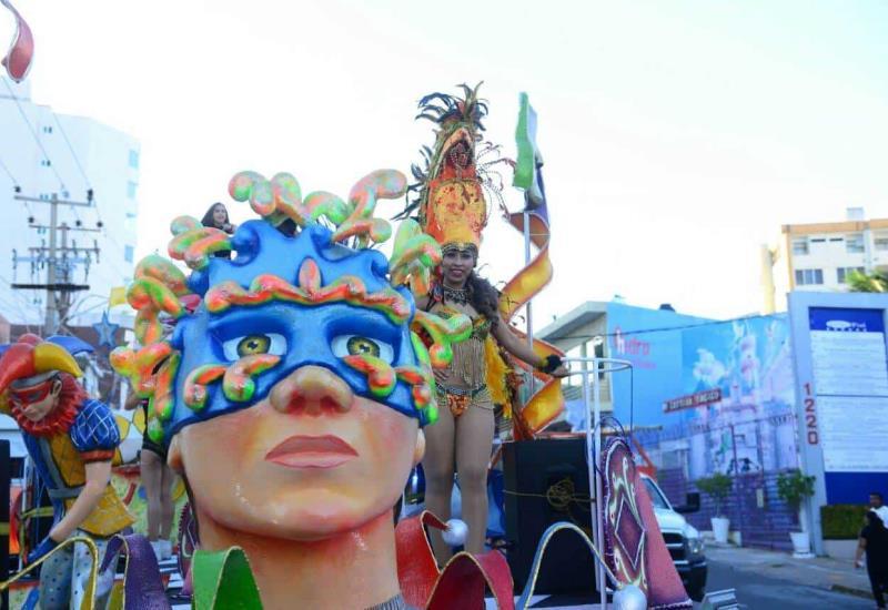 Familias disfrutan del Carnaval de Villahermosa