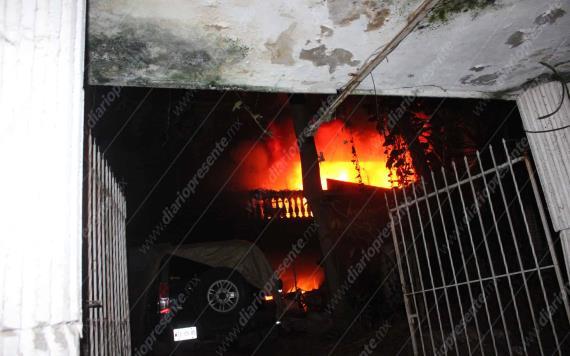 Se incendia casa en Primero de Mayo, una persona quedó lesionada